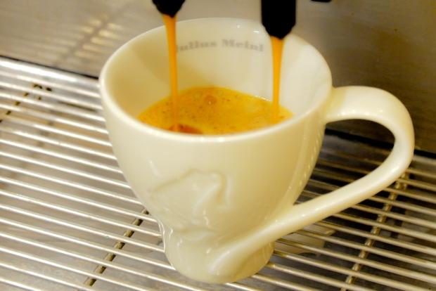 kaffee und trendy kaffee und kuchen with kaffee und finest startseite tassen retrotasse fr. Black Bedroom Furniture Sets. Home Design Ideas